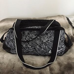 Nike Women's Gym Duffle Medium Bag